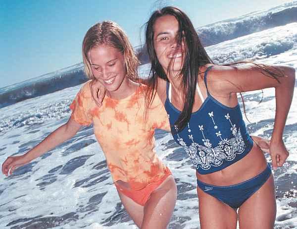 Девушки, море